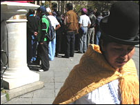 La Paz woman wearing a traditional hat