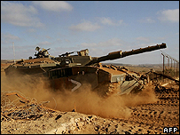 An Israeli tank leaving Lebanon