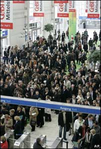 Crowds at Cebit show