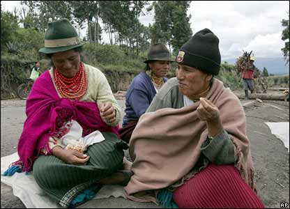 Indigenous women protesters in Cajas, near Quito