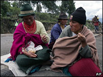 Indigenous women protests against a free trade agreement between Ecuador and the US