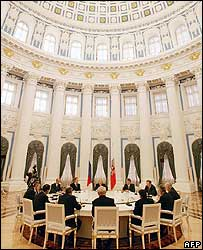 Ministers meet in the Kremlin