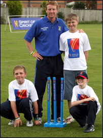 Paul Collingwood with youngsters from the MCC Spirit of Cricket camp