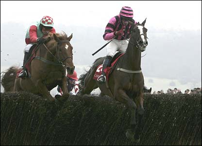 Damien Murphy guides Whyso Mayo to victory in the Foxhunters Chase