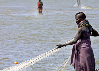 http://newsimg.bbc.co.uk/media/images/41454000/jpg/_41454440_03turkana_afp.jpg