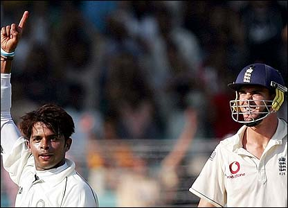 Sreesanth celebrates removing Pietersen