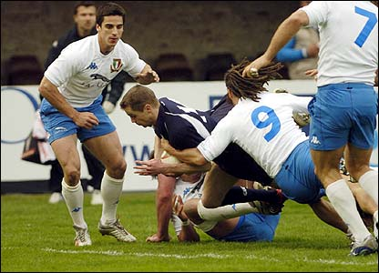 Chris Paterson scores Scotland's opening try
