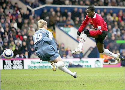 Louis Saha settles matters at The Hawthorns