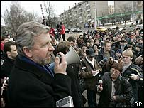 Alexander Milinkevich addresses rally on the eve of the election