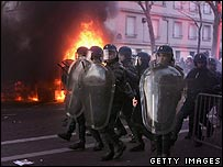 Riot police advance on students in Paris