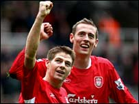 Liverpool's Steven Gerrard and Peter Crouch