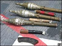 Granadas y armamento decomisado.
