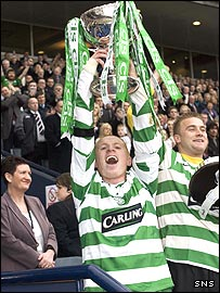 Neil Lennon lifts the cup for Celtic