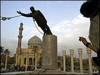 Saddam statue being toppled in April 2003