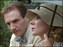 Ralph Fiennes and Natasha Richardson in The White Countess