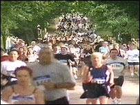 Runners in the Robin Hood Marathon