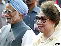 Indian PM Manmohan Singh and Bangladesh's PM Khaleda Zia