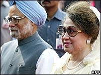 Indian PM Manmohan Singh and Bangladesh's PM Khaleda Zia