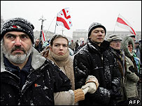 Opposition supporters in central Minsk, 21 Mar 06