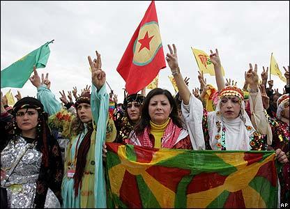 Kurdos celebran el festival en Diyarbakir