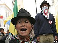 Indígena ecuatoriana durante las protestas