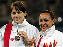 Kelly Sotherton (l) and Jessica Ennis (r)