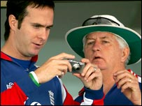 Michael Vaughan and Duncan Fletcher work out the complexities of a digital camera