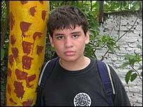 Milton, estudiante de 13 a�os.