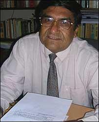 El diplom�tico y abogado Oscar Llanes.