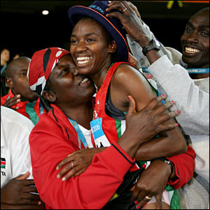 Isabella Ochichi of Kenya celebrates winning the women's 5000 metre final