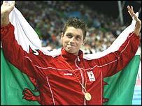 David Davies celebrates his 1500m freestyle gold medal