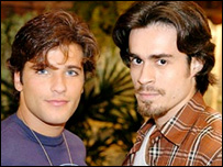 Junior and Zeca in telenovela America