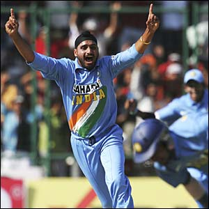 Harbhajan Singh celebrates the dismissal of Paul Collingwood after a brilliant catch by Mohammad Kaif