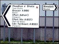 A road sign in English and Gaelic