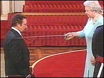 Tom Jones knighted by the Queen