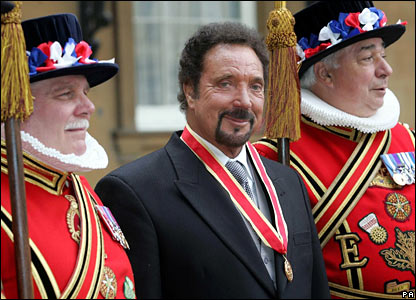 Sir Tom Jones at the palace