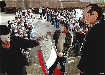 Students demonstrating in the Chirac museum in Sarran, central France