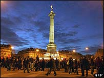 Crowds gather in the Place de la Bastille, Paris