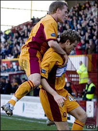 Steve Hammell celebrates with Brian McLean
