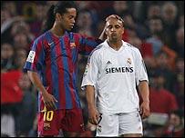 Ronaldinho (l) and Roberto Carlos (r)