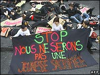 Students in Bordeaux demonstrate against the new youth employment law