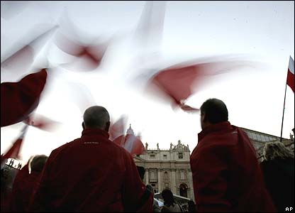 Pilgrims waving the flag of Poland in St Peter's Square