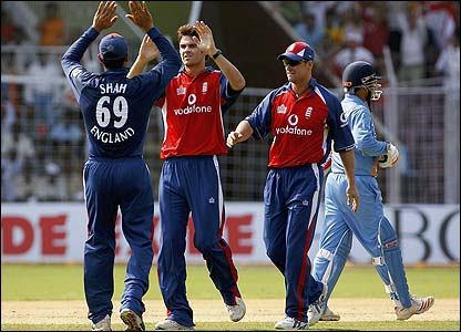 James Anderson celebrates asfter removing Virender Sehwag