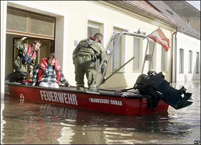 Evacuation in Duernkrut, Austria