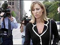 Enron defence witness Joannie Williamson leaving Houston court