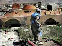 احد مواقع الهجمات في افغانستان