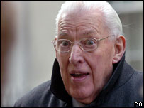 Ian Paisley pictured outside Downing Street on 4 April 2006