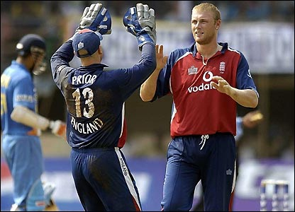 Matt Prior rushes to congratulate Flintoff after unseating Dravid