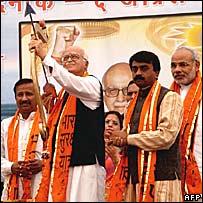 LK Advani and Narendra Modi (extreme right) launching the campaign in Dwarka