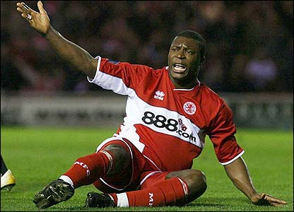 Yakubu appeals for a Middlesbrough penalty